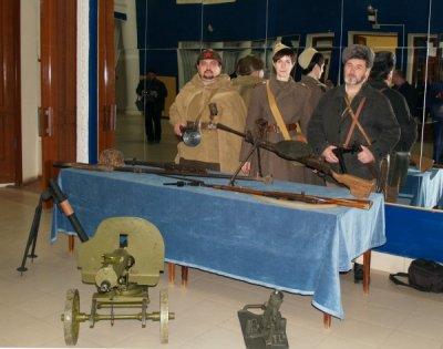 Экспозиция оружия Белокалитвинского историко-краеведческого музея