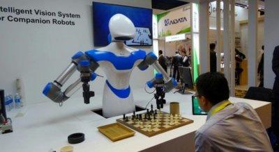 Разработана система поведения роботов, которая позволяет им манипулировать объектами любой формы