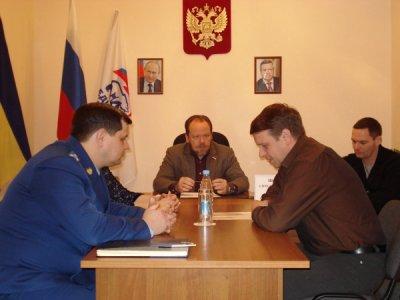 депутат Государственной думы РФ А. М. Шолохов устроил открытый прием граждан