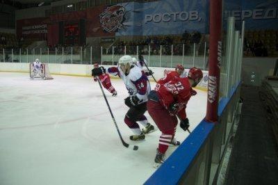 ХК «Ростов» с разгромным счетом победил «Алтай»