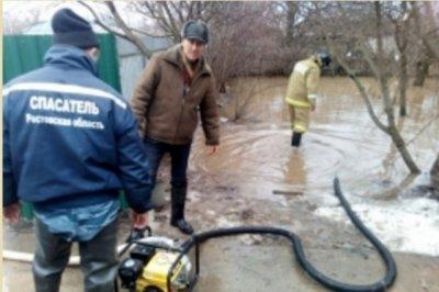 Спасатели: уровень воды в подтопленных районах Ростовской области снижается