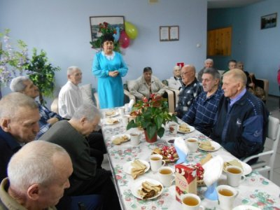 Мужчин социально - реабилитационного отделения № 4 поздравили с Днем защитника Отечества