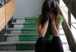 Сутки насиловали похищенную женщину трое парней в Ростовской области