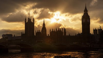 Британский парламент рассмотрит петицию против высоких каблуков на работе