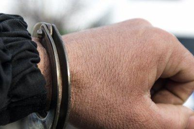 В Ростовской области сотрудницу страховой фирмы обокрали на рабочем месте
