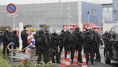Прокурор Парижа классифицировал нападение на военных в Орли как теракт