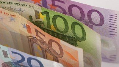 Впервые с 15 февраля курс евро упал до 60 рублей