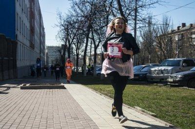 В погоне за счастьем: фоторепортаж забега невест Ростова-на-Дону