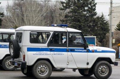 В Ростове в открытую «обчистили» прохожего