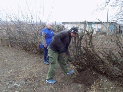 Мобильная бригада ЦСО Белокалитвинского района побывала в Краснодонецком поселении
