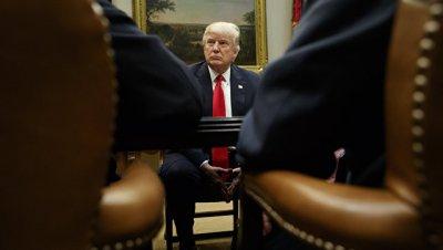 Трамп пообещал уничтожить ИГИЛ* и