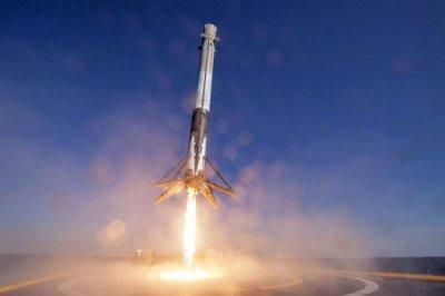 SpaceX опубликовала видео посадки повторно отработавшей ракеты