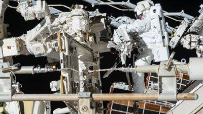 Следующий плановый выход в открытый космос с МКС перенесен на 12 мая
