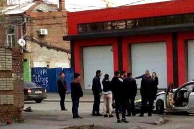 В Ростове на Ченцова столкнулись две иномарки