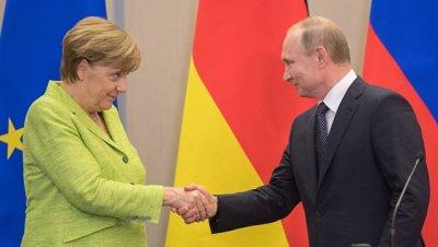 На встрече Меркель и Путина обошлось без нравоучений, сообщил Песков