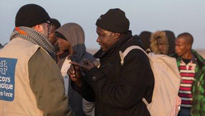 На западе Франции в грузовике нашли 17 мигрантов