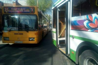 ДТП на Мясникова и перекрытые дороги в центре Ростова спровоцировали большую пробку