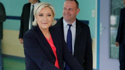 Ле Пен прибыла в Венсенский лес, где будет дожидаться итогов выборов