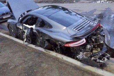 Мастер из салона Porsche разбил машину стоимостью 11 млн рублей