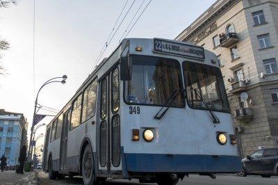 На площади Ленина прошел пикет в защиту троллейбусов