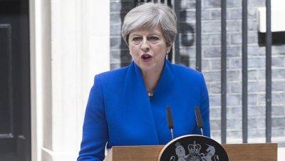 Сотни британцев в Лондоне вышли на акцию с требованием отставки Мэй