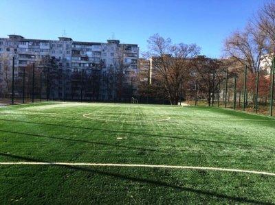 Пропавшего 17-летнего подростка нашли на спортивной площадке в Ростове