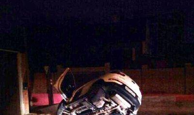 Пьяный водитель съехал в яму на Локомотивной в Ростове