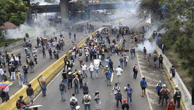 Число погибших в Венесуэле в протестах за сутки возросло до трех человек