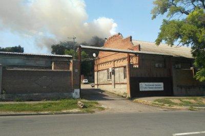 В Ростове горит бывшая общага