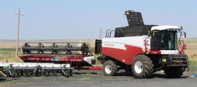 Фермерами Белокалитвинского района собрано более 130 тысяч тонн зерна