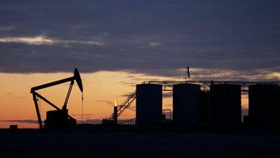 Нефть дешевеет на слабом снижении запасов нефти в США