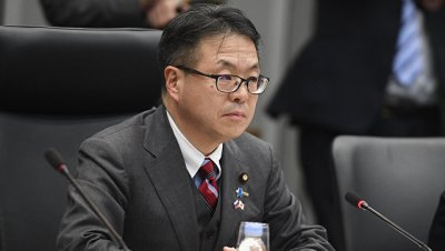 Японский министр по сотрудничеству с Россией сохранил свой пост