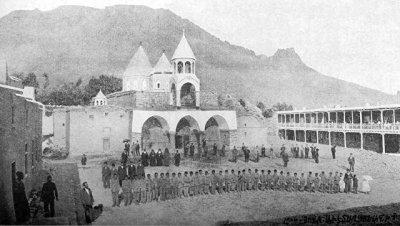 Турки разбирают древнюю армянскую церковь на камни для строительства мечети
