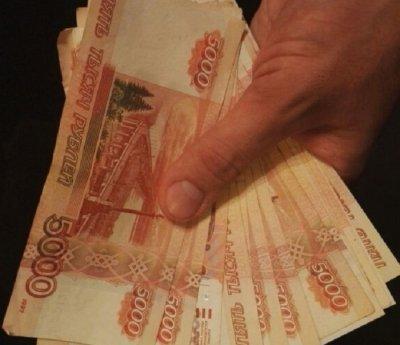 В Ростове топ-менеджер банка наживался на недвижимости и машинах должников