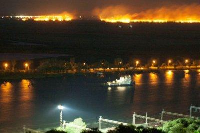 Под Ростовом горела трава на участке в два километра