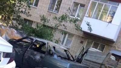 На улице Содружества дважды за сутки сгорела «десятка» в Ростове
