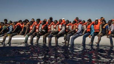 Save the Children отозвала судно, участвовавшее в спасении мигрантов