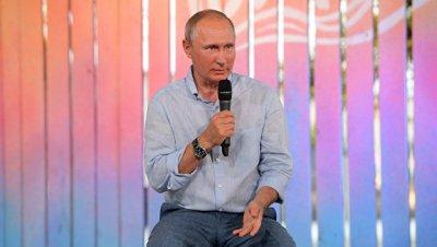 Путин пообещал проработать вопросы поддержки молодых исполнителей