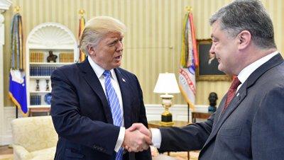 Трамп поздравил Порошенко с Днем независимости Украины