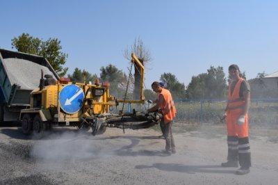 В поселке Сосны проведен ямочный ремонт внутрипоселковых автодорог