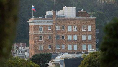 Бывший дипломат прокомментировал закрытие российских дипобъектов в США