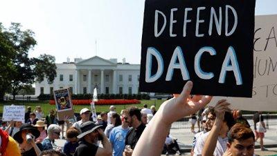 В США начались протесты из-за отмены программы о нелегальных иммигрантах