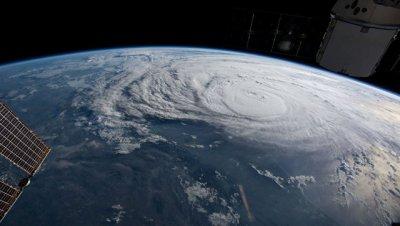 Над Атлантическим океаном сформировался тропический шторм