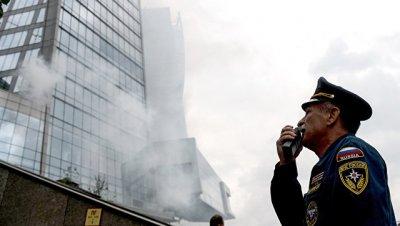 Пожар в башне делового центра