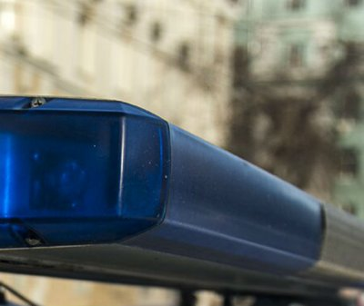На Шолохова водитель врезался в дерево в Ростове