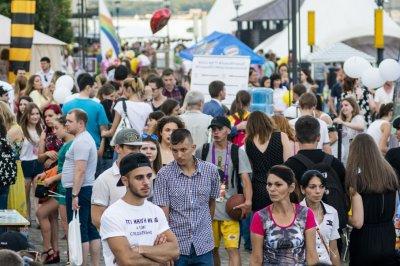 Ростовчан бесплатно угостят сладостями и лимонадом в День города