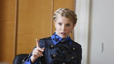 Тимошенко пришла на встречу с депутатами в