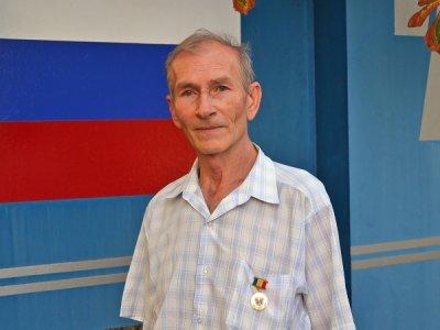 Главный прокатчик АО «АМР» А. Л. Слюсаренко награждён памятным знаком «80 лет Ростовской области»