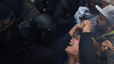 В Каталонии начали расследования о допуске избирателей к голосованию