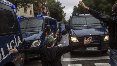 Правящая партия Греции осудила насилие на референдуме в Каталонии